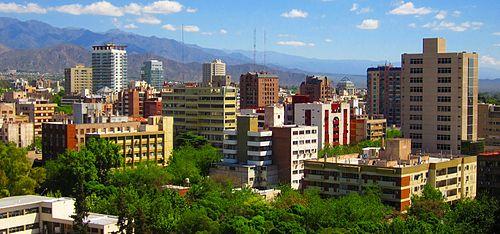 A causa de la participación del gobierno en Mendoza, Argentina, la provincia ha desarrollado un proyecto para mejorar el arbolado urbano.
